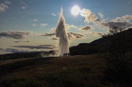 Golden Circle, Fontana Baths and Northern Lights Day Trip from Reykjavik Including Lunch and Dinner