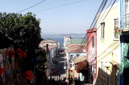 Small-Group Walking Tour in Valparaiso from Santiago