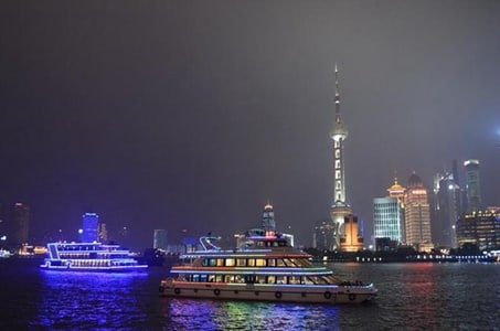Private Night Tour: Huangpu River Cruise, The Bund, and Nanjing Road