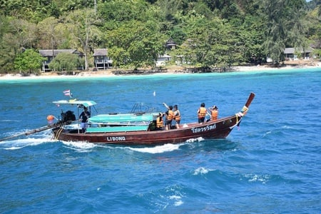 Lanta: 4 Island Tour by Longtail Boat with Emerald Cave