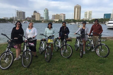 Small-Group Electric Bike Tour of Historic St Petersburg