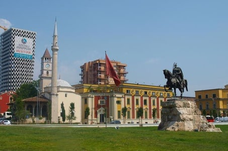 Tirana Sightseeing Walking Tour