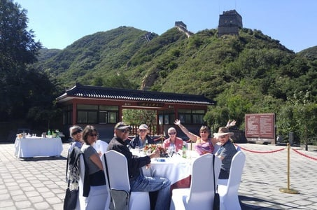 Private Beijing Tour: Badaling Great Wall Dining Experience and Ming Tombs