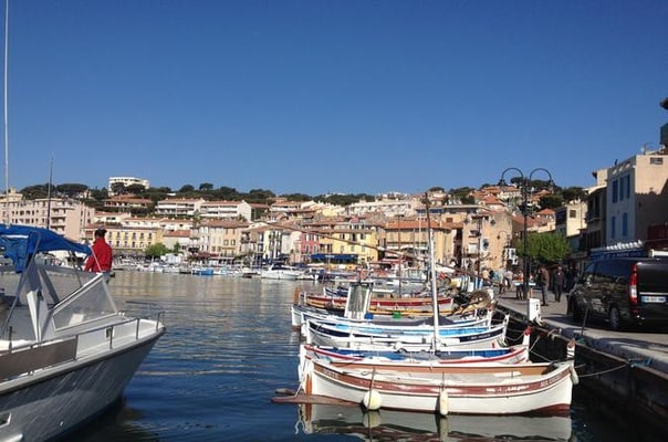 Toulon Shore Excursion: Full Day Private Tour of Provence Villages Cassis, Marseille and Le Castellet