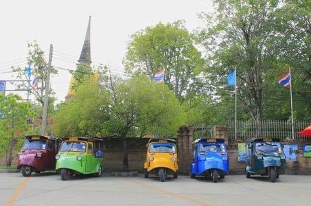 Private tour ancient city Ayutthaya temple light up with Tuk Tuk