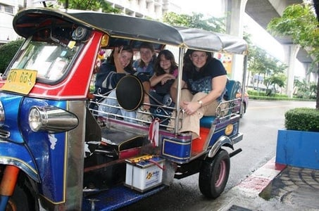 Private Bangkok Night Tour by Tuk Tuk with Dinner