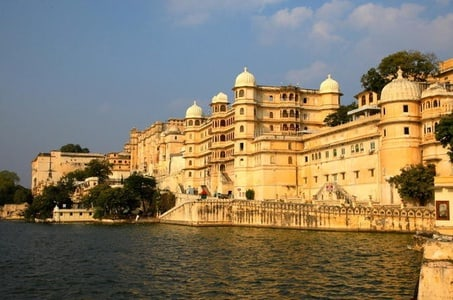 Full-Day Private Tour of Udaipur Including a Boat Ride in Lake Pichola