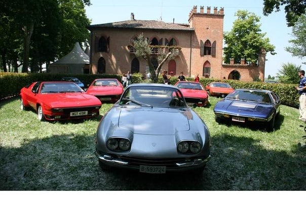 Private Tour for a Small Group of 8 People: Motor Valley Day Tour from Venice with Lamborghini and Pagani Factories Visit and Traditional Lunch