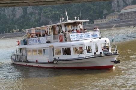Budapest 1-Hour Hop-on Hop-Off Sightseeing Danube River Cruise