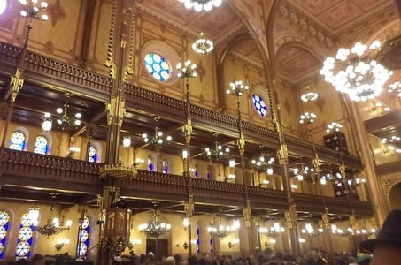Private Jewish Budapest Tour with a Jewish Tour Guide from a Holocaust Survival Family