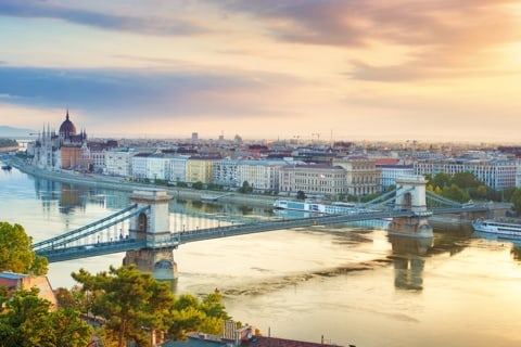 Travel to Budapest - The city of the bridges