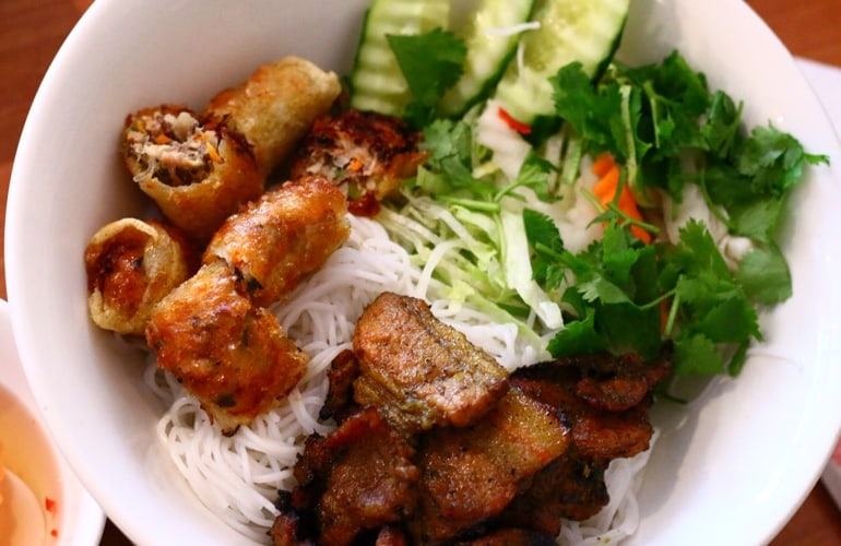 Bun Thit Nuong - Vermicelli noodles with grilled pork