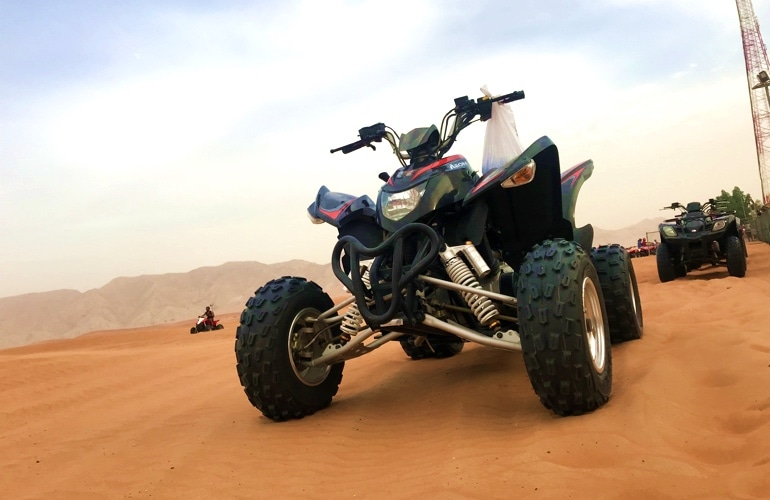 quad bike in dubai desert