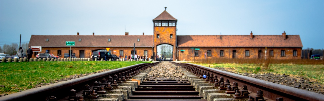 how to go from krakow to auschwitz